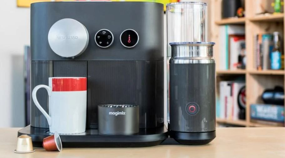 Krups Nespresso Expert & Milk - Koffiecupmachine - review